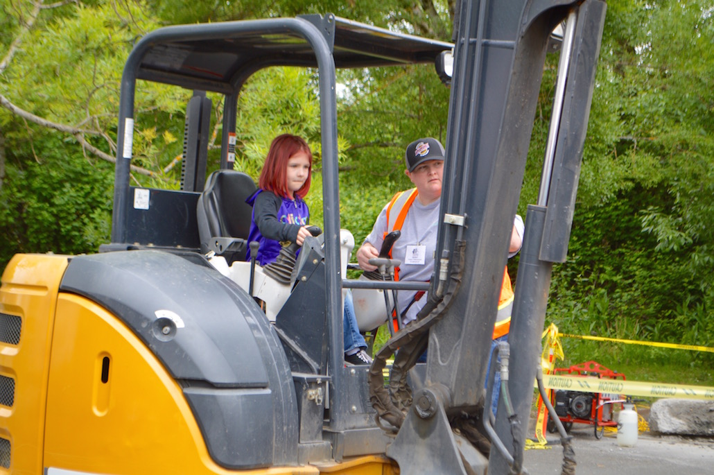 Melinda Wilson, a new journeyman at Operating Engineers Local 701, gives instruction on operating heavy machinery.